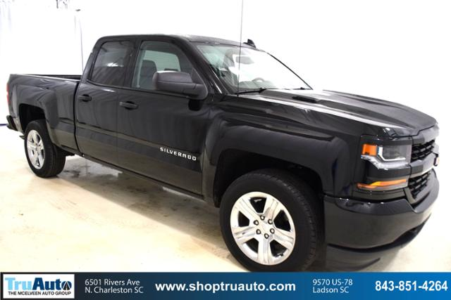 Pre Owned 2017 Chevrolet Silverado 1500 2wd Double Cab 143 5 Custom